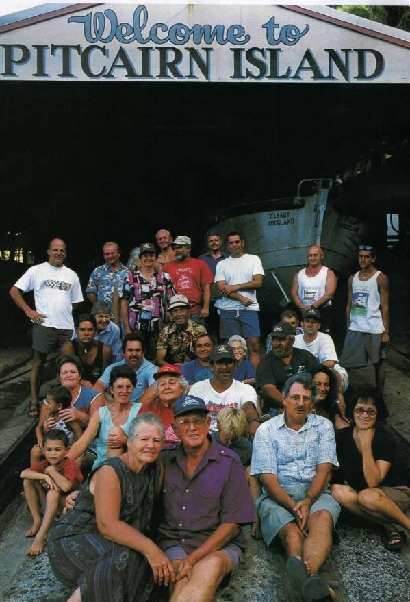 Pitcairn Islanders, bewoners
