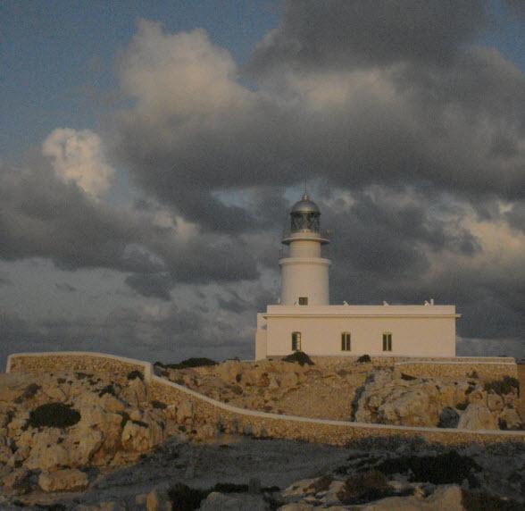 vuurtoren-Cala-Pregonda-Menorca
