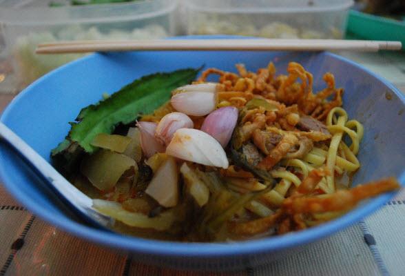khao-soi-met-kip