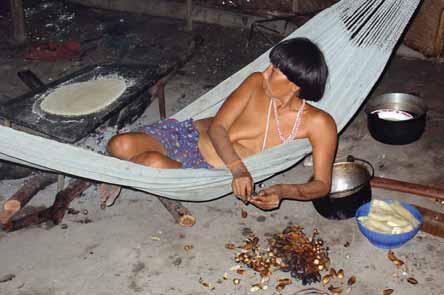 Olaf Reizen, Yanomami vrouw aan de Casiquiare rivier