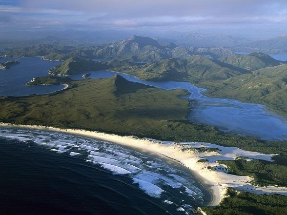 Port Davey, Stephens Bay, Hannant Inlet en Mount Rugby, Tasmanie, Australie