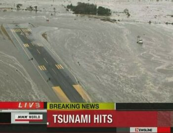 Overstromingen door tsunami Japan