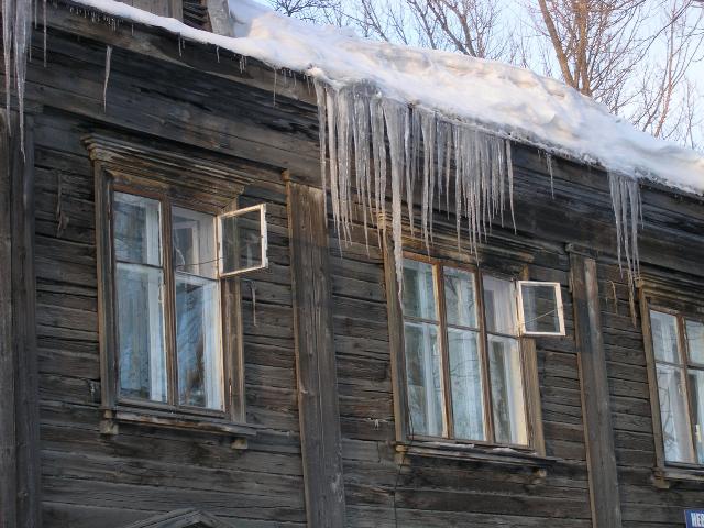 De ijspegels sieren het straatbeeld