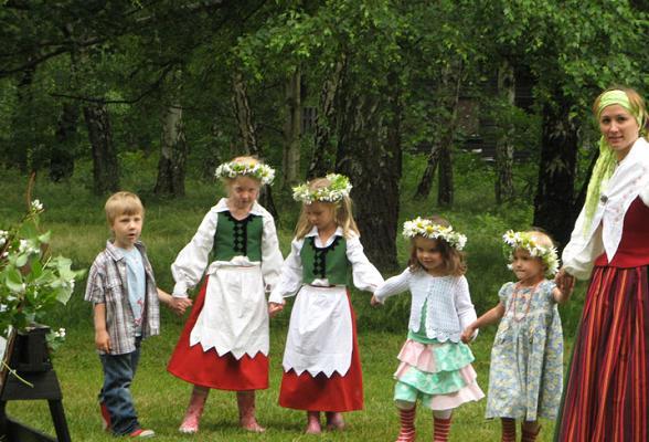 Aankomend weekend wordt Midzomer gevierd, een van de grootste volksfeesten van Zweden.