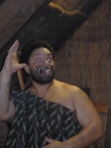 Een Maoriman in volle glorie