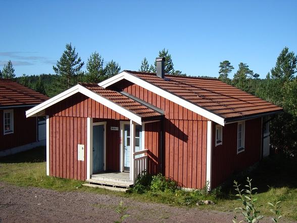 Wij verbleven echter niet op de camping, maar op het nabijgelegen vakantiepark in een traditonele Zweedse stuga. Na een vermoeiende eerste reisdag lag iedereen rond een uur of elf uitgeteld in hun huisje.