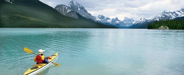 In dit geweldige grote land biedt Tenzing Travel verschillende mogelijkheden om uw vakantie samen te stellen: rondreizen, autoreizen, internationale groepsreizen, stadsarrangementen, natuurarrangementen en hotels van comfortabel tot luxe. Velen kiezen er voor om Canada, het tweede land ter wereld qua oppervlakte, in meerdere bezoeken te leren kennen. Een rondreis door een deel van het land zal u ongetwijfeld doen verlangen naar een terugkeer voor een volgende vakantie Canada, waarbij u dan een andere regio kunt bezoeken.