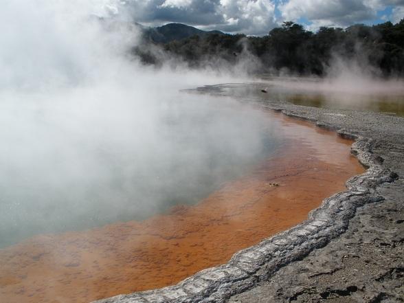 De Maori's en een vulkanisch park bezoeken in Rotorua