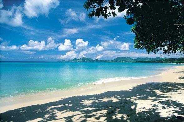 Of je nu gaat wintersporten in Oostenrijk, de zon opzoekt in de Caribbean of cultuur gaat snuiven in Azie, er is iets speciaals aan vakantie vieren in december. Dit zijn de meest populaire vakantiebestemmingen van december 2011!