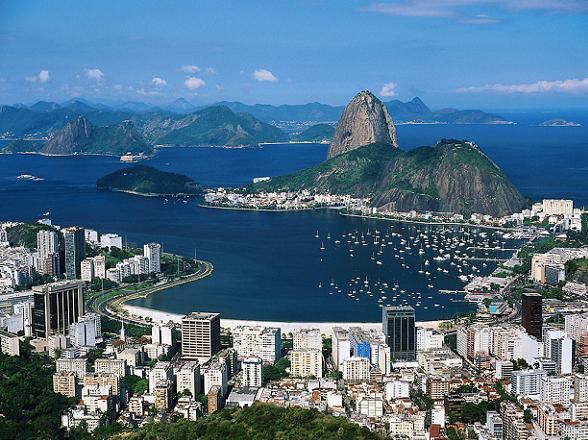 De Braziliaanse stad staat vooral bekend om het wereldberoemde carnaval in februari, maar ook de maand december biedt een vergelijkbaar festival, aanduidend als Rio's tweede grootste festival.