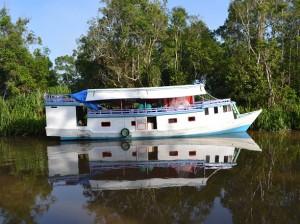 Een klotok bootje op Kalimantan