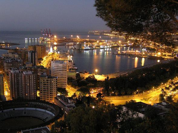 Ontdek de mijlen lange stranden in Andalusie aan de Costa del Sol en geniet van de locale restaurants in authentieke sfeer.