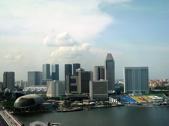 Singapore is voor vele reizigers slechts een overstapplaats op weg naar Japan, Australië of Nieuw Zeeland. Maar dit kleine land heeft zoveel meer te bieden. Het is mogelijk om de hoogtepunten van Singapore in één dag te bezichtigen. Dus print dit artikel uit en neem het mee in je handbagage.