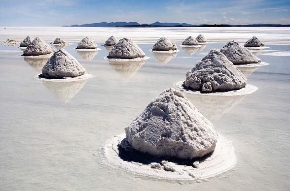 De grootste zoutvlaktes zijn de Makgadikgadizoutvlaktes