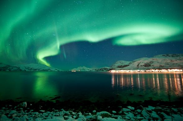 Het noorderlicht boven Kvaloya - Copyright: Gaute Bruvik / NordNorsk Reiseliv