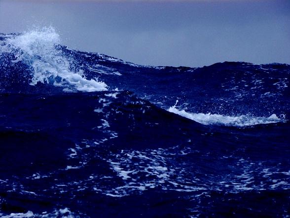 Oplopende zee op de Atlantic