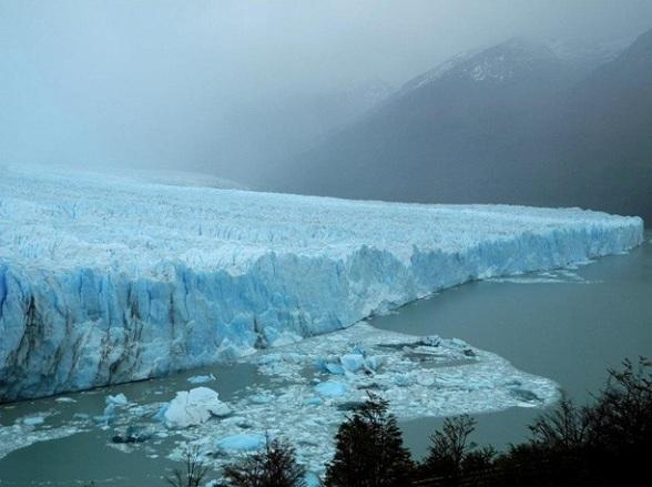 De Perito Moreno gletsjer in Parque Nacional Los Glaciares in Patagonie