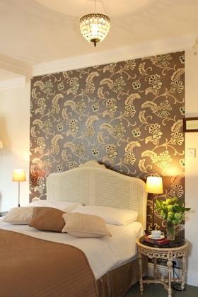 Ballyknocken House: bed and breakfast farmhouse