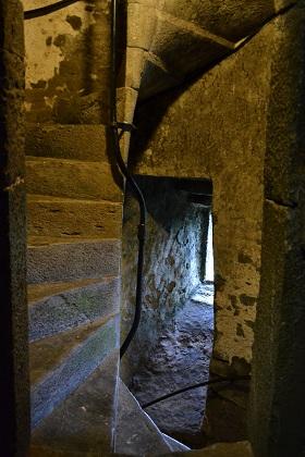 De steilen trap in de toren van Blarney Castle