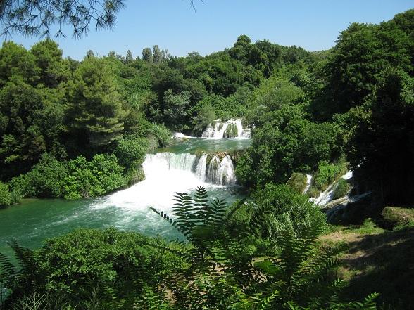 Kroatië heeft over het algemeen veel mooie natuur, maar Krka is zeker één van de groene hoogtepunten van het land.
