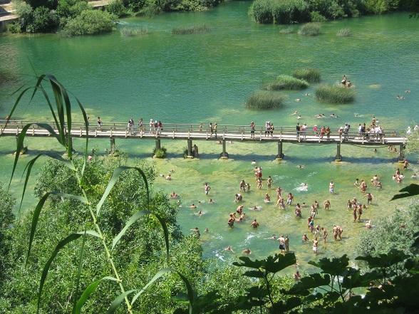 Zwemmen bij de watervallen van Krka