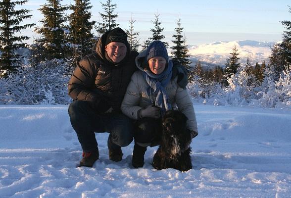 Rob en Betty, de eigenaren van Furulund Pensjonat in Noorwegen