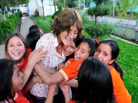 Stichting Niños: Jolanda met de kinderen