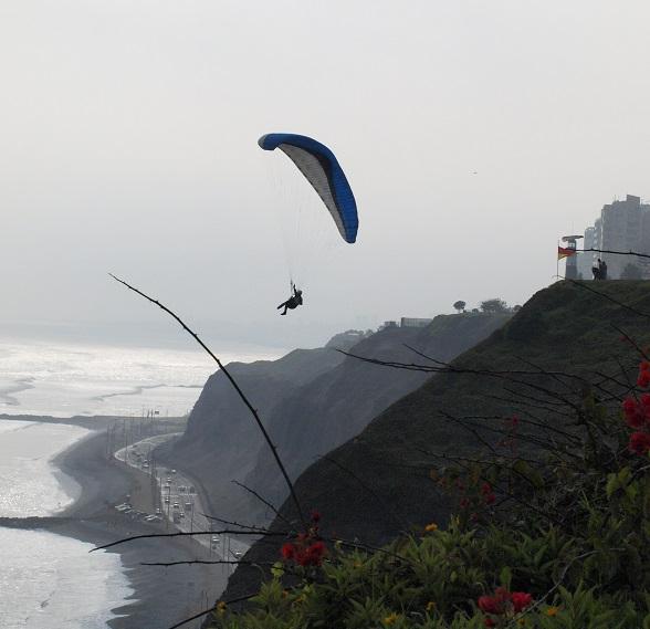 Paragliding Lima City