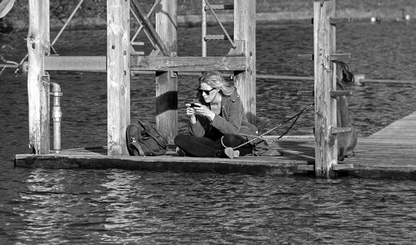 Vrouw met mobiel, fotocredits HD Zimmerman