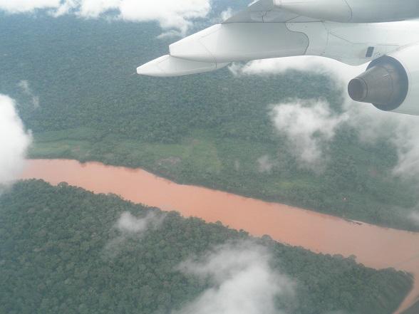 Vliegen boven de Amazone
