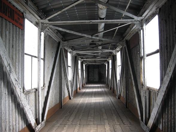 De stad Ostrava, vlakbij de grens met Polen, werd vroeger gedomineerd door zware industrie. Die overblijfselen zijn nog goed te zien en maken Ostrava een aparte plek om te bezoeken. Op de foto zie je  een deel van de Michal Mijn, de laatste kolenmijn in de omgeving van Ostrava die werd gesloten.