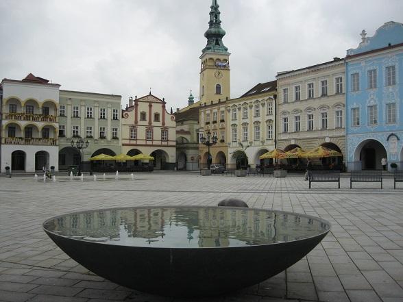 Nový Jičín is een charmant stadje op de route van Ostrava naar Olomouc in het oosten van Tsjechië. Absolute must sees heeft het niet, maar daardoor hoef je het met bijna niemand te delen.
