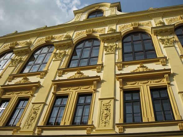 Qua architectuur kan de stad Olomouc aardig tippen aan Praag. Hoewel het merendeel barok is, kun je ook romaanse, classicistische, gotische en renaissance bouwstijlen herkennen.