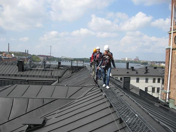 De Rooftop Walk is een uitdagende wandeling op 40 meter hoogte, inclusief mooi uitzicht over de Zweedse hoofdstad.