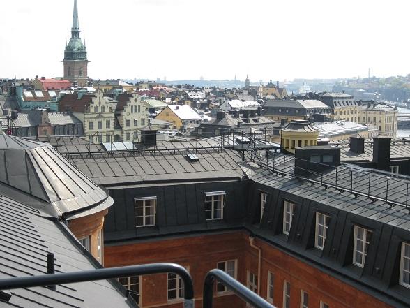 Tijdens de Rooftop Walk heb je een mooi uitzicht over het kleurrijke doolhof van Gamla Stan, het oude stadshart van Stockholm.