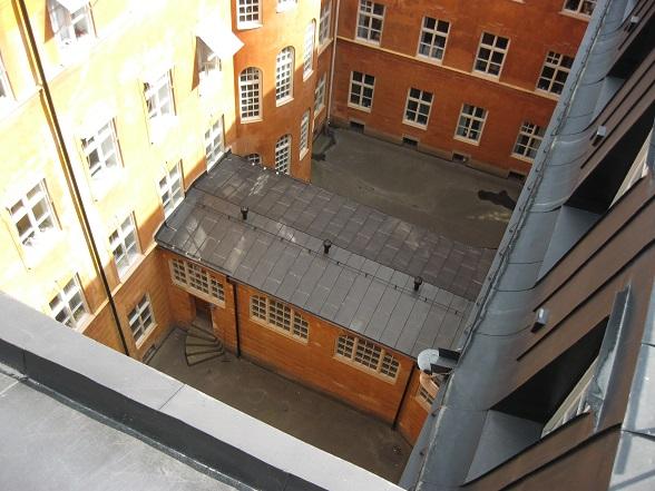 Uitzicht op de binnenplaats van het parlementsgebouw op het eiland Riddarholmen.