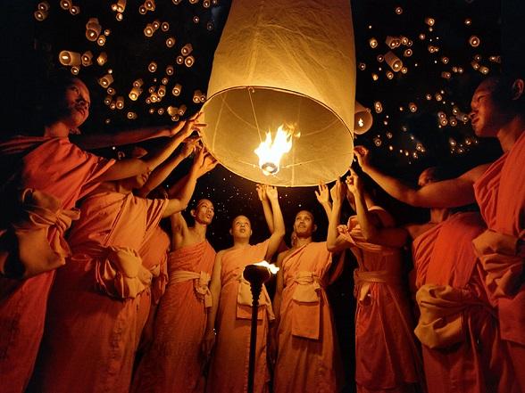 Het zogenaamde lanterns festival in Thailand.