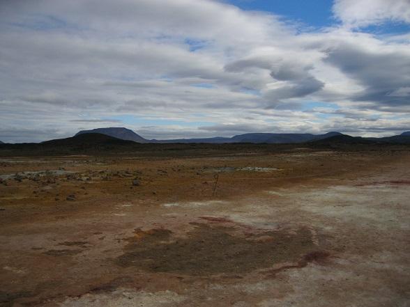 Het noorden van IJsland heeft veel moois te bieden, maar solfatarenveld Hvérir verdient zeker een plekje in de top tien!