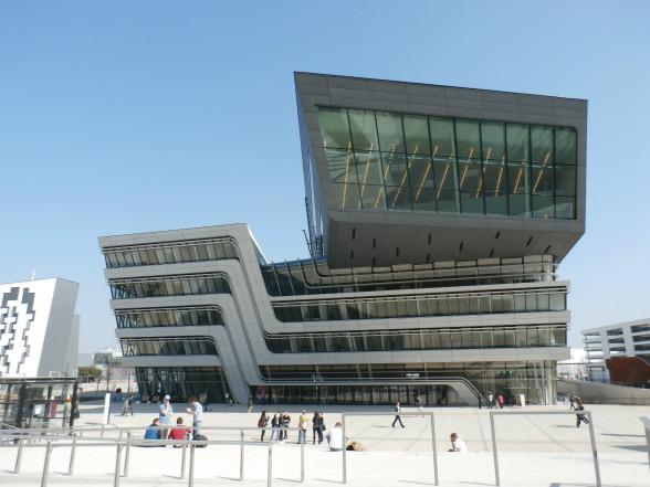"""Dit gebouw is de favoriet van Isabelle van het Weens verkeersbureau: """"Van binnen doet het me denken aan een cruiseschip."""""""