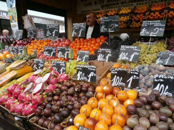 De keuze is reuze op de Naschmarkt, de grootste en oudste markt van Wenen.