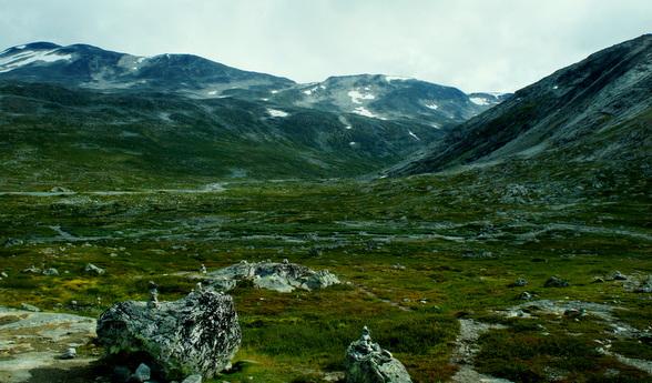 In de hooglanden zijn felle kleurverschillen zoals hier niet ongewoon. Het maakt een berglandschap extra bijzonder.