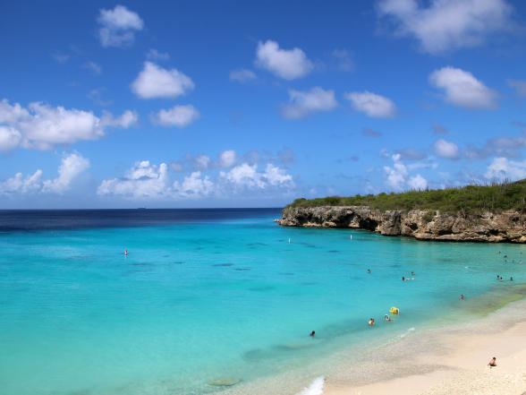 50 tinten blauw! Het strand op de foto is Grote Knip, aan de westkant van het eiland.