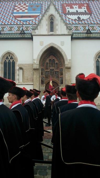 Wisseling van de wacht bij de Sint Marcuskerk (legodakje?)