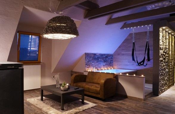 Hotel Met Jacuzzi In Slaapkamer : Top 10 bijzondere overnachtingen van ...