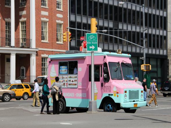 Een typisch beeld in New York: één van de bekende ice cream trucks