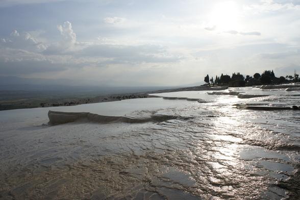 De kalkterrassen van Pamukkale zijn beroemd.