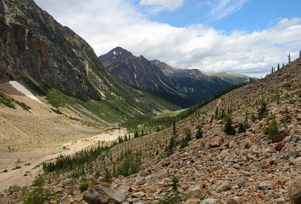Zomaar een prachtig uitzicht in de Canadian Rockies. Dit is bij Mount Edith Cavell in Jasper National Park.