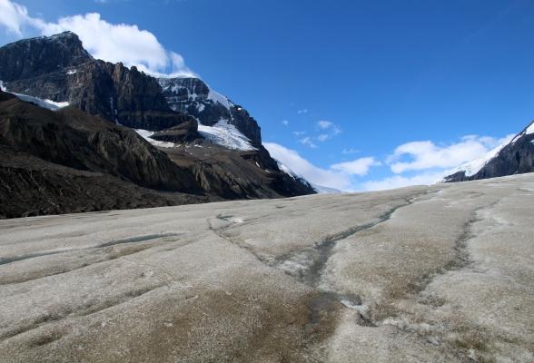 De Athabasca Glacier is een uitloper van het Columbia Icefield