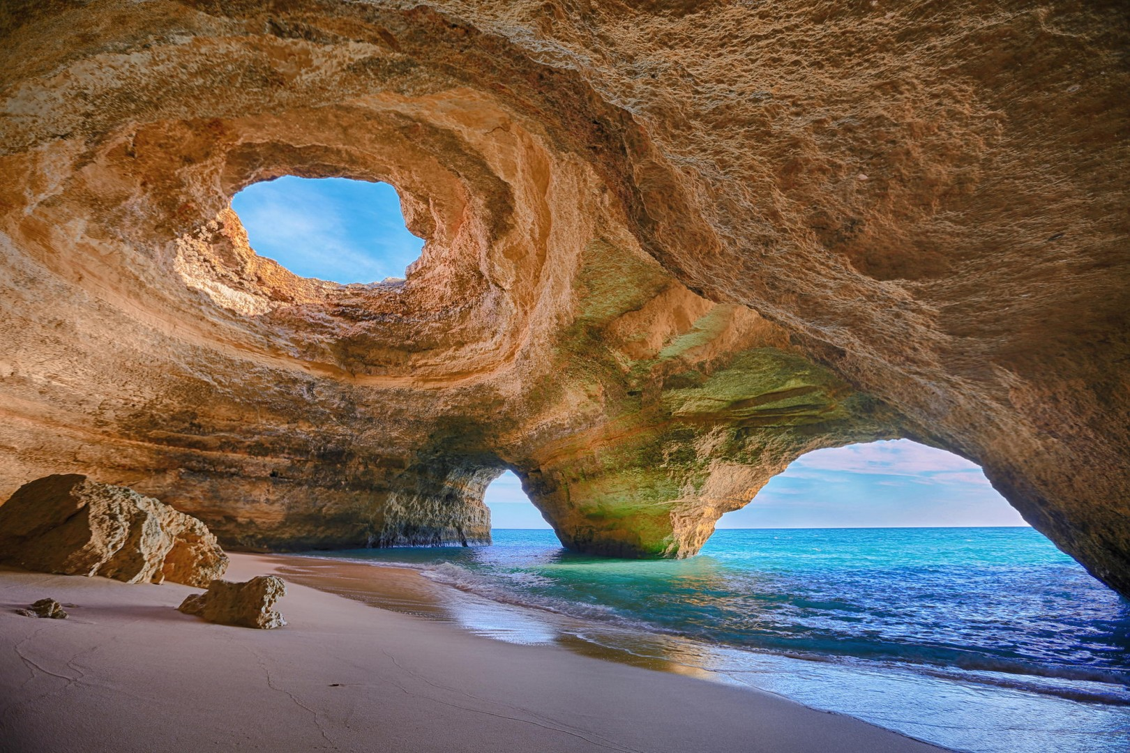 Benagil Caves - Foto de Algarve Discovery, Praia da Rocha