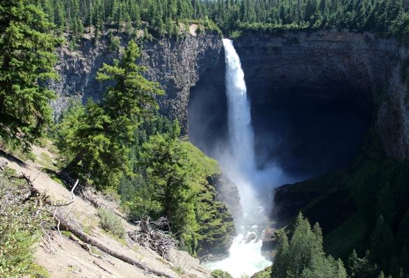 Helmcken Falls is één van de mooiste watervallen van Canada